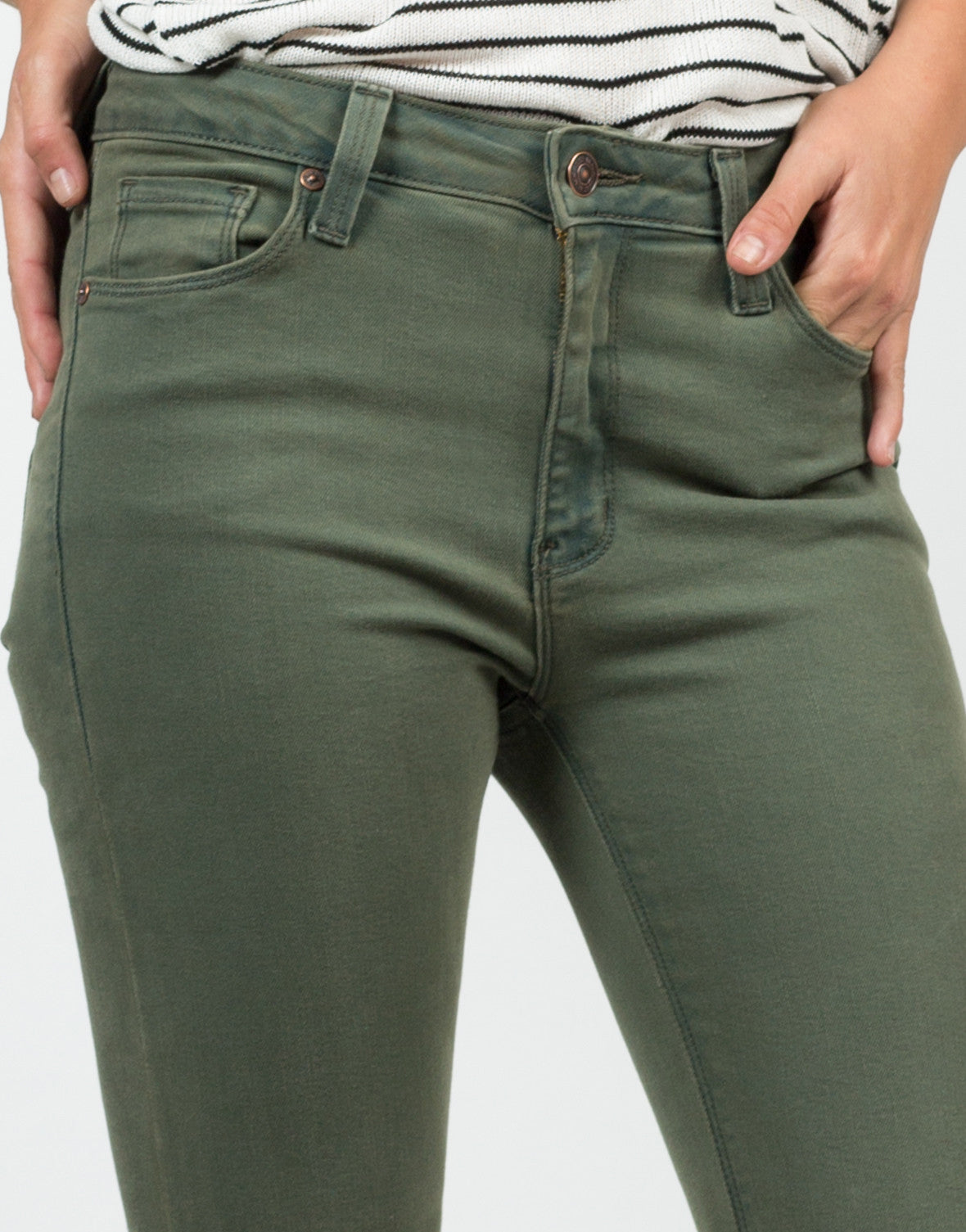Detail of High Waisted Knee Slit Skinny Jeans
