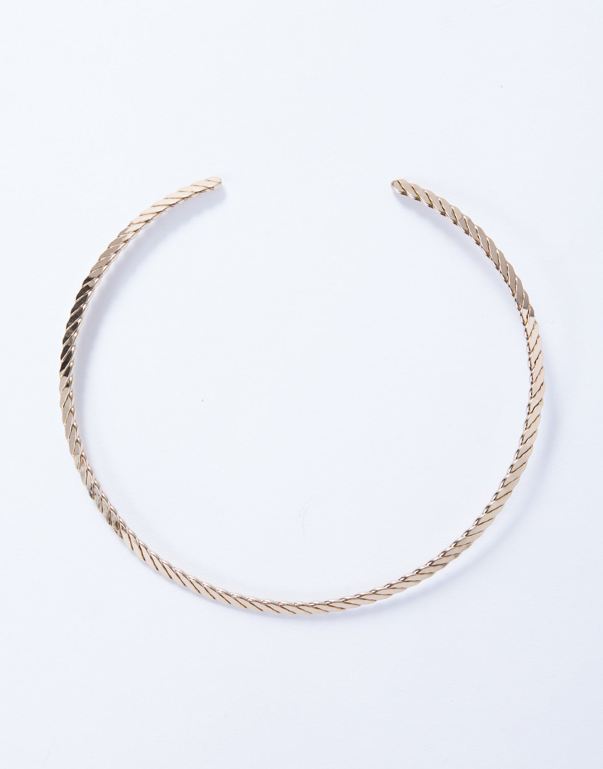 In the Curve Collar Necklace