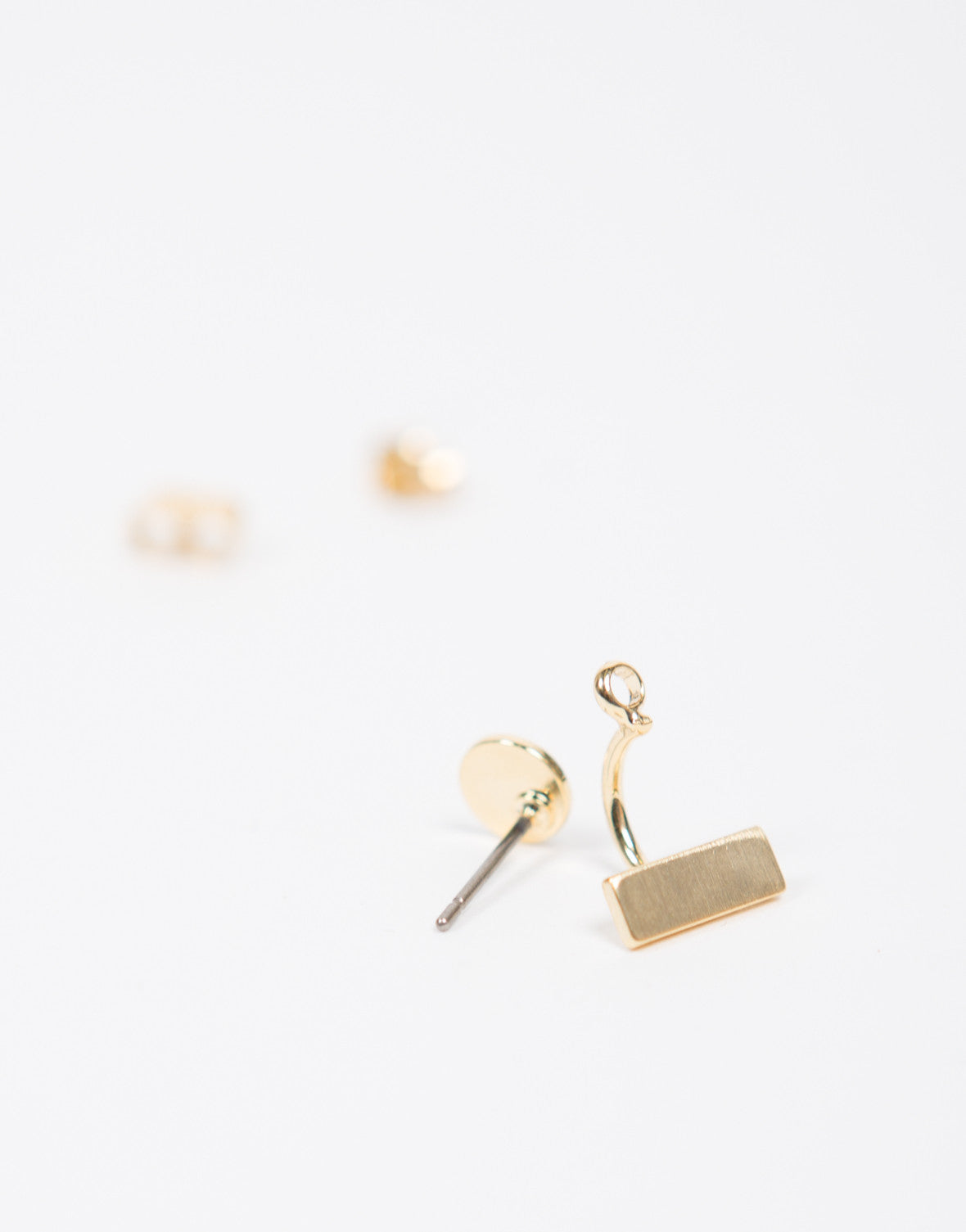Line Dot Stud Earrings
