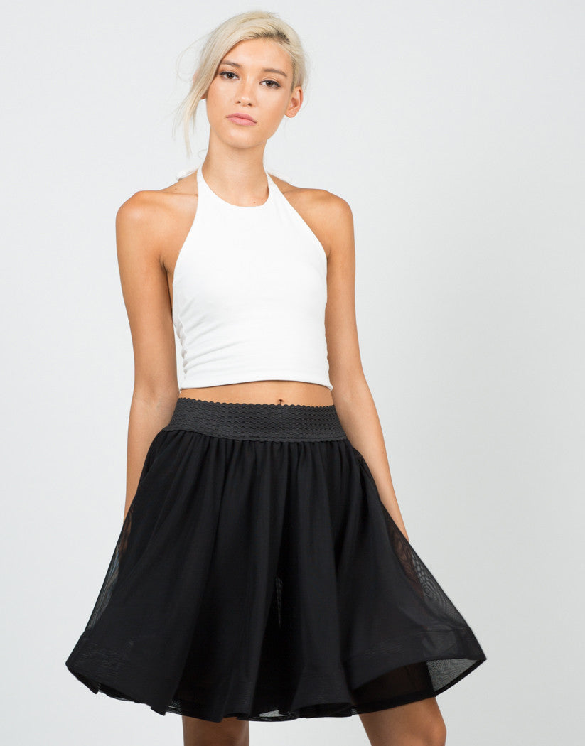 Front View of Mesh Wired Swing Skirt