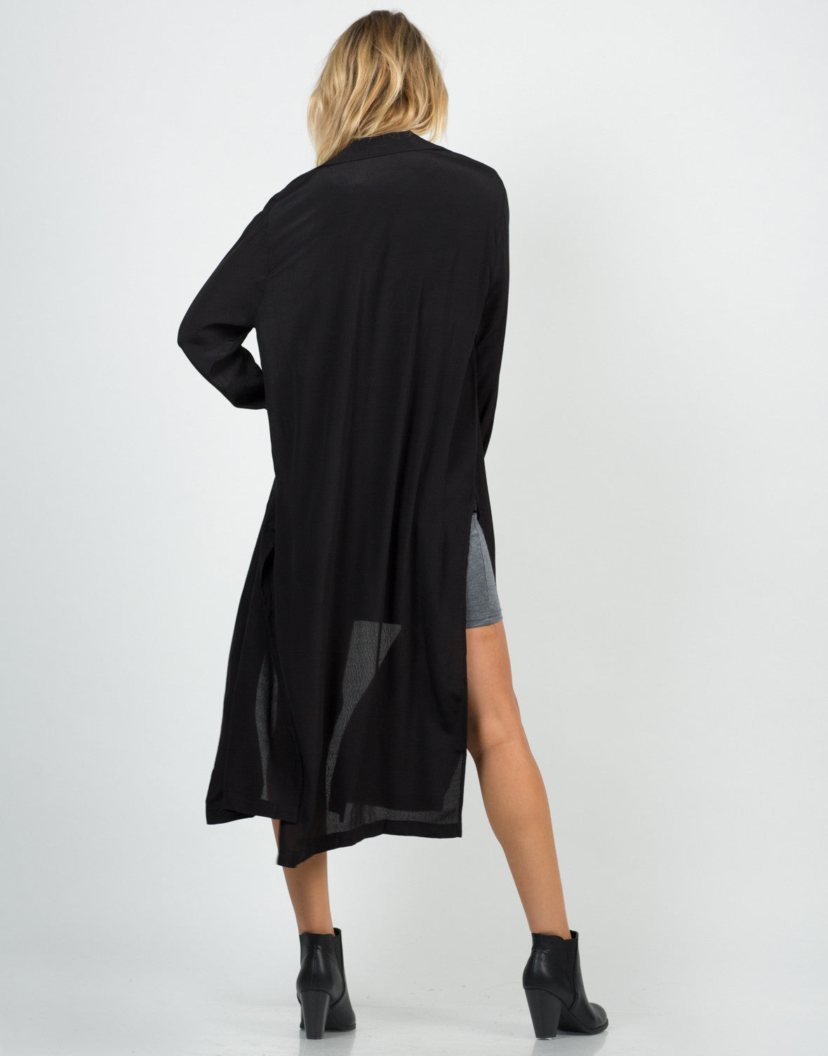 Back View of Mid-Length Open Collar Jacket