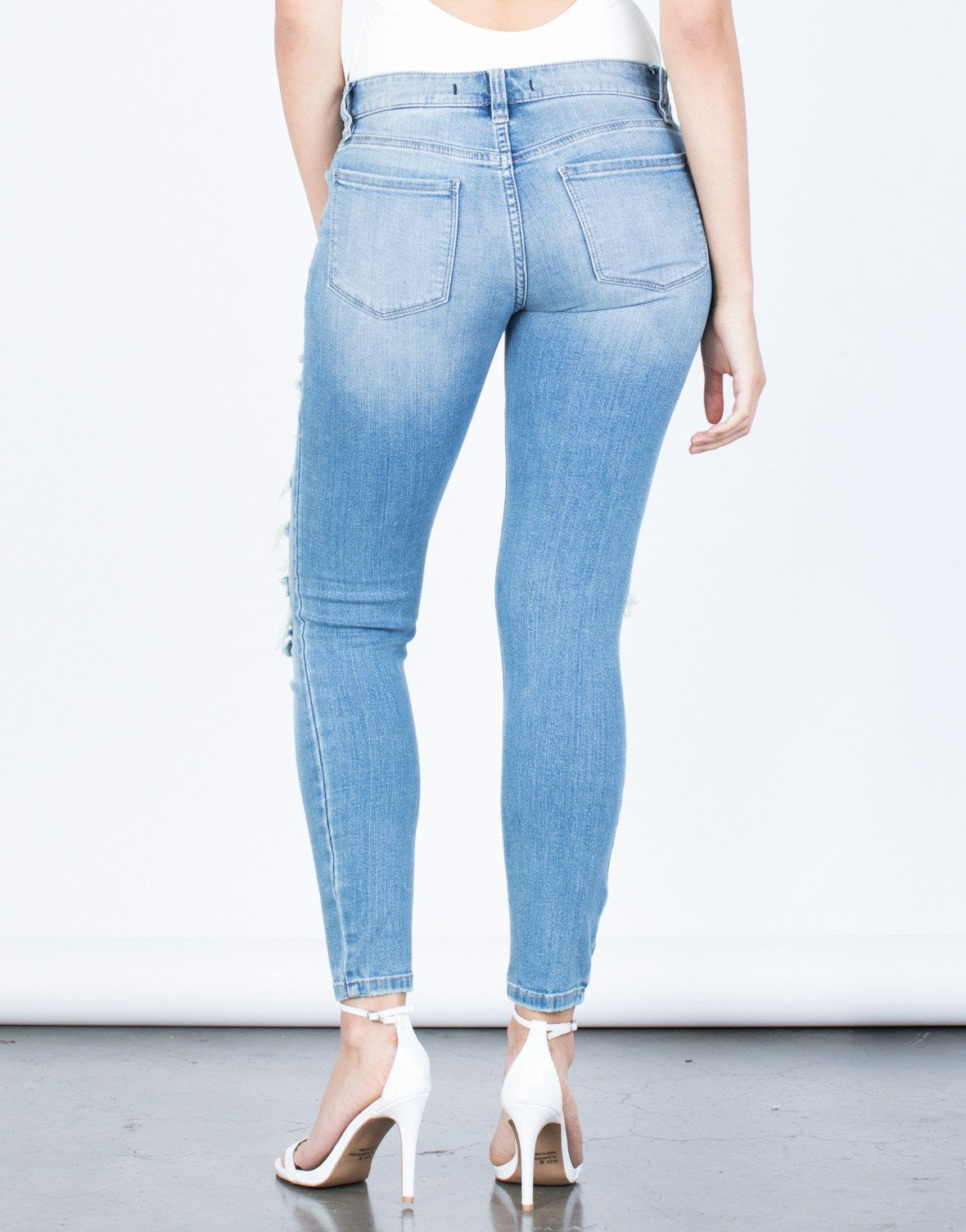 Minimal Destroyed Jeans - 2020AVE