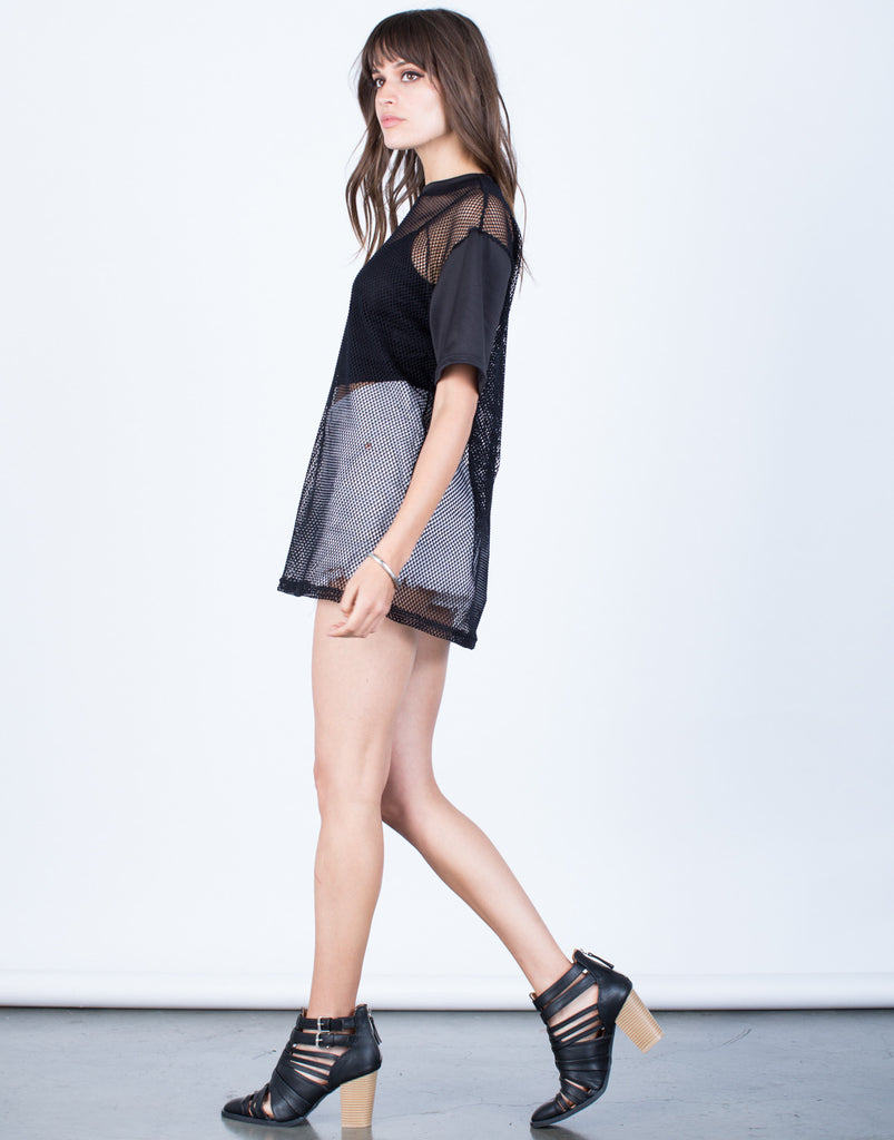 Side View of Netted Contrast Tunic