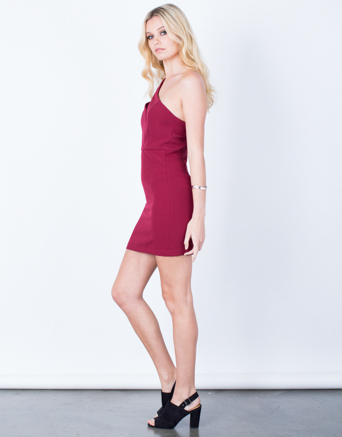 Side View of One Shoulder Bodycon Dress