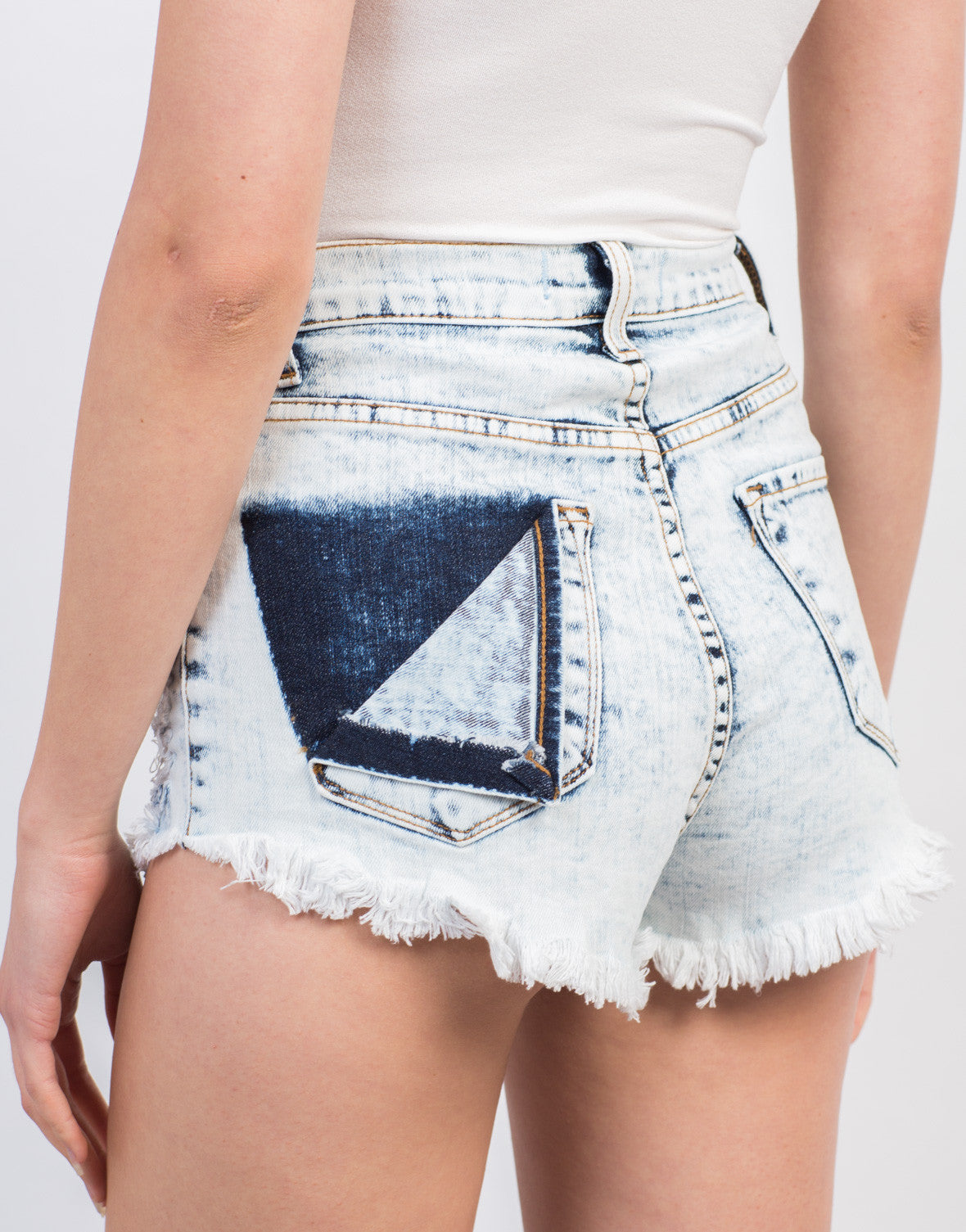Detail of Open Pocket Flap High Rise Shorts