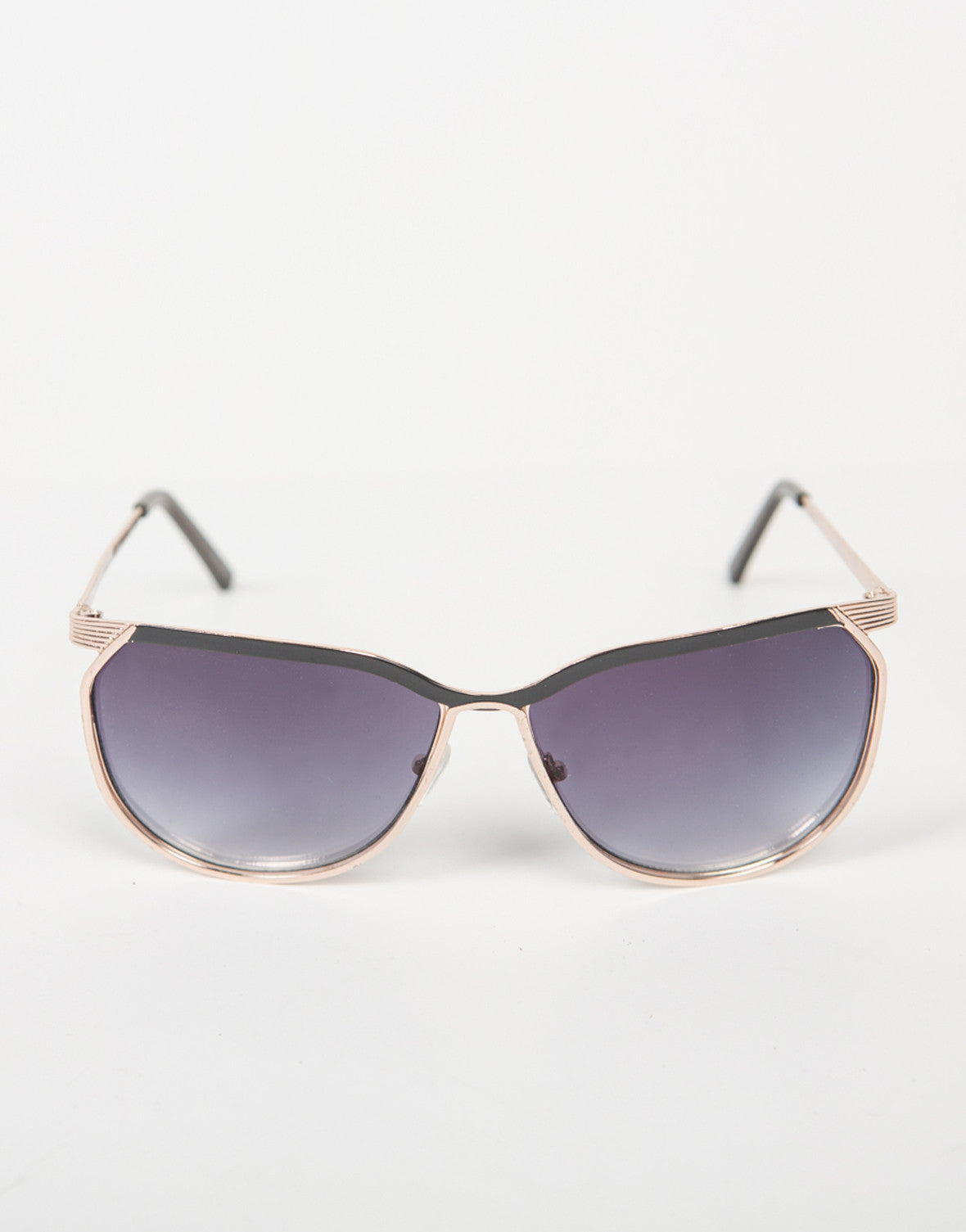 Front View of Oversized Vintage Pilot Sunnies