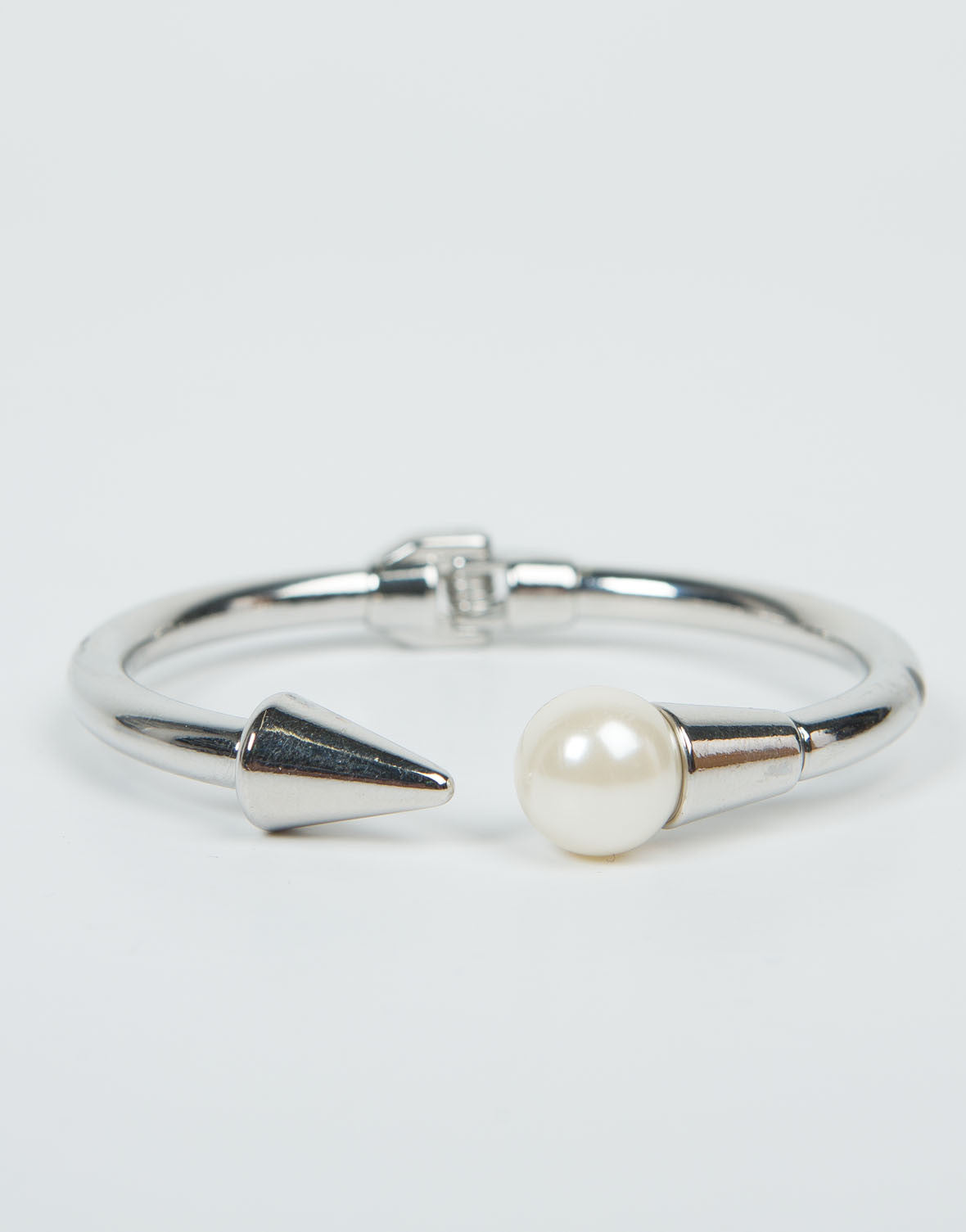 Front View of Pearl On Point Bracelet