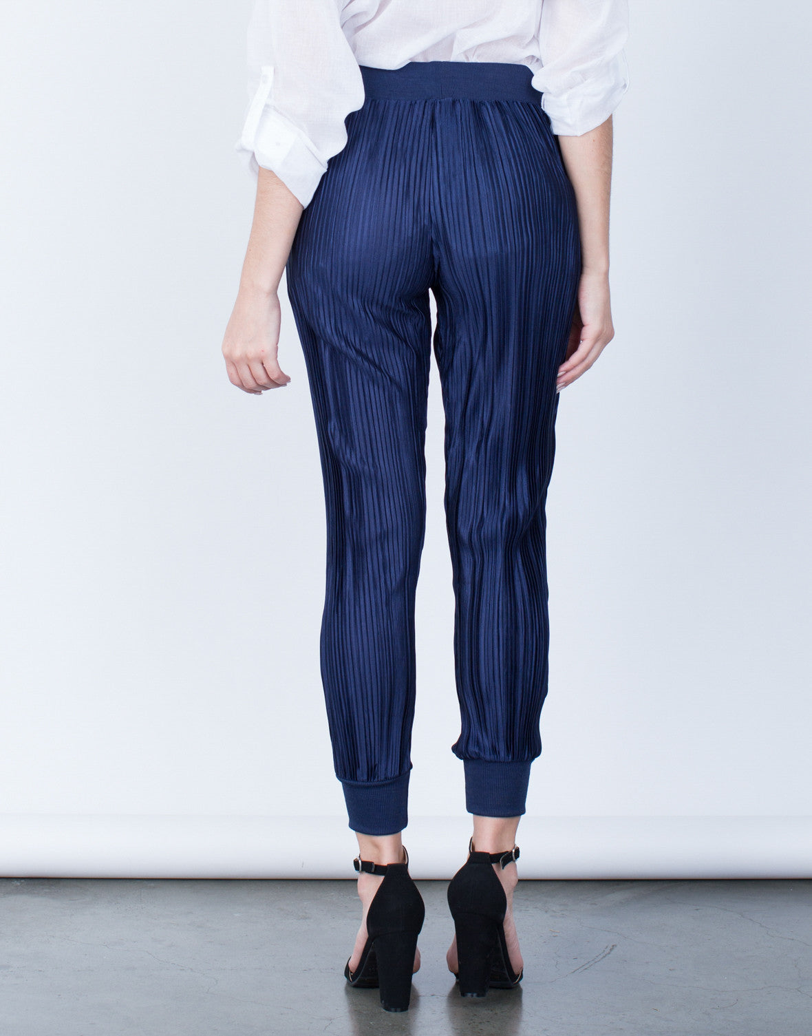 Back View of Pleated Jogger Pants