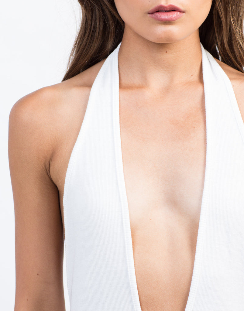 Plunging Ribbed Halter Bodysuit - 2020AVE