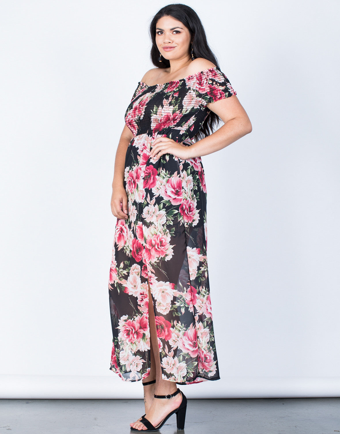 Side View of Plus Size Charming Floral Dress