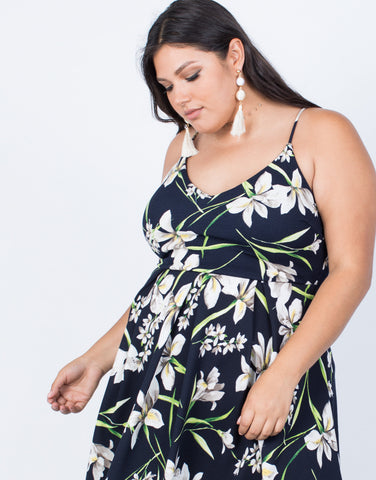 Black Plus Size Field of Lilies Dress - Detail