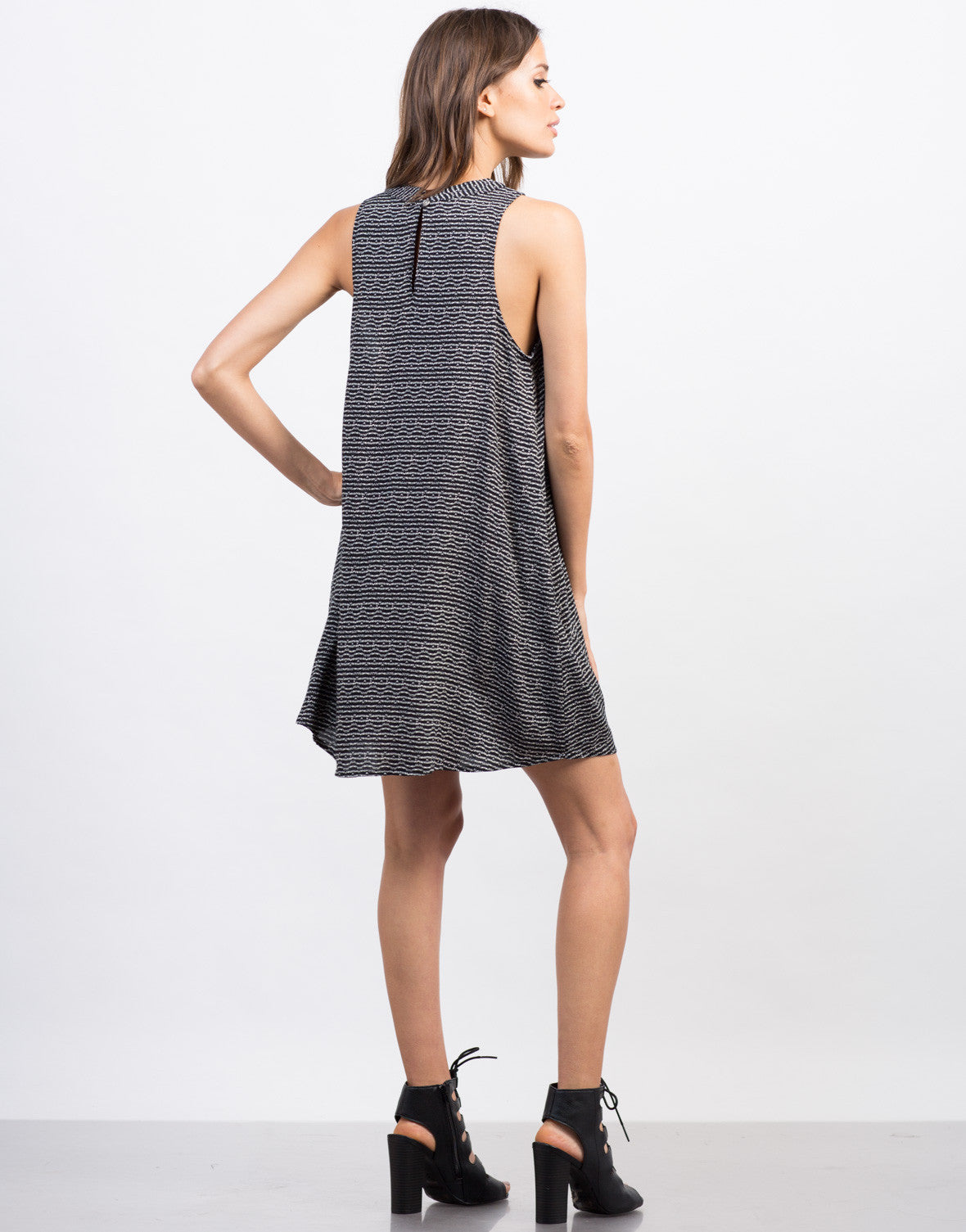 Back View of Printed Sleeveless Shift Dress