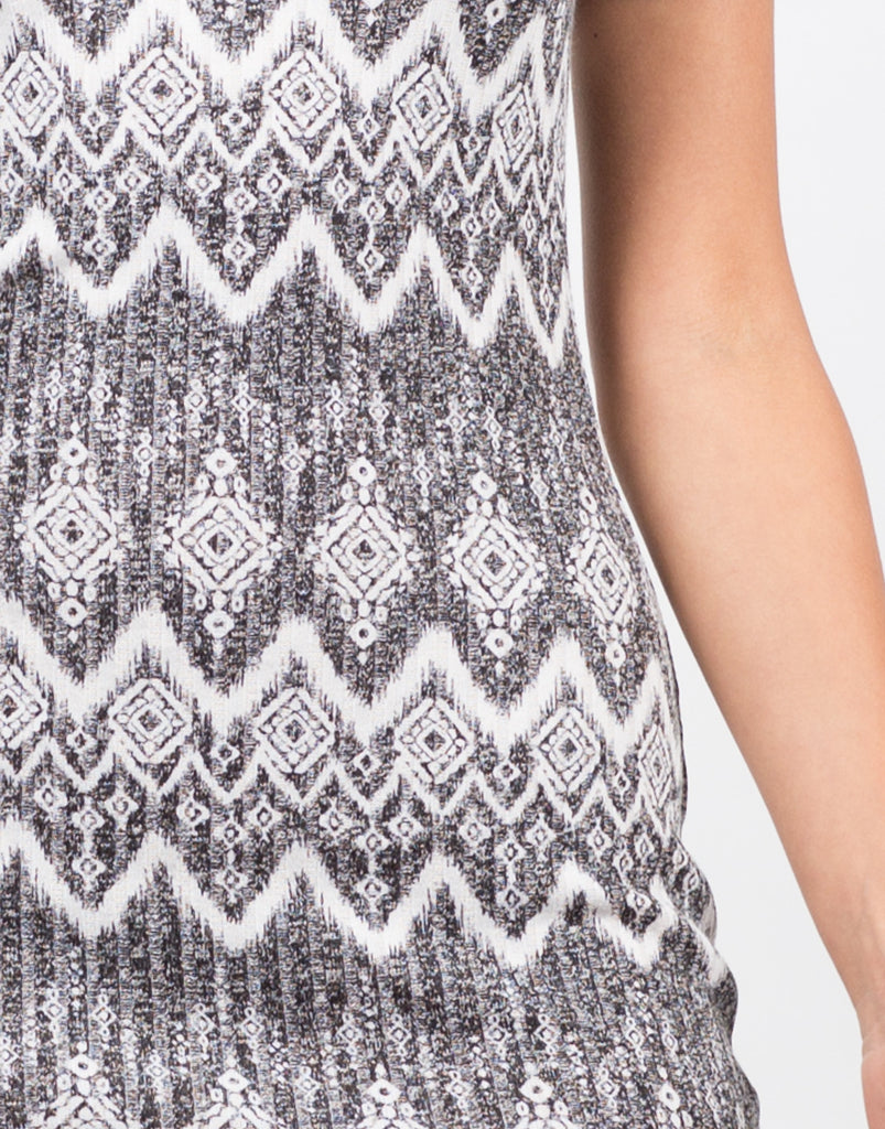 Printed Mock Neck Dress - 2020AVE