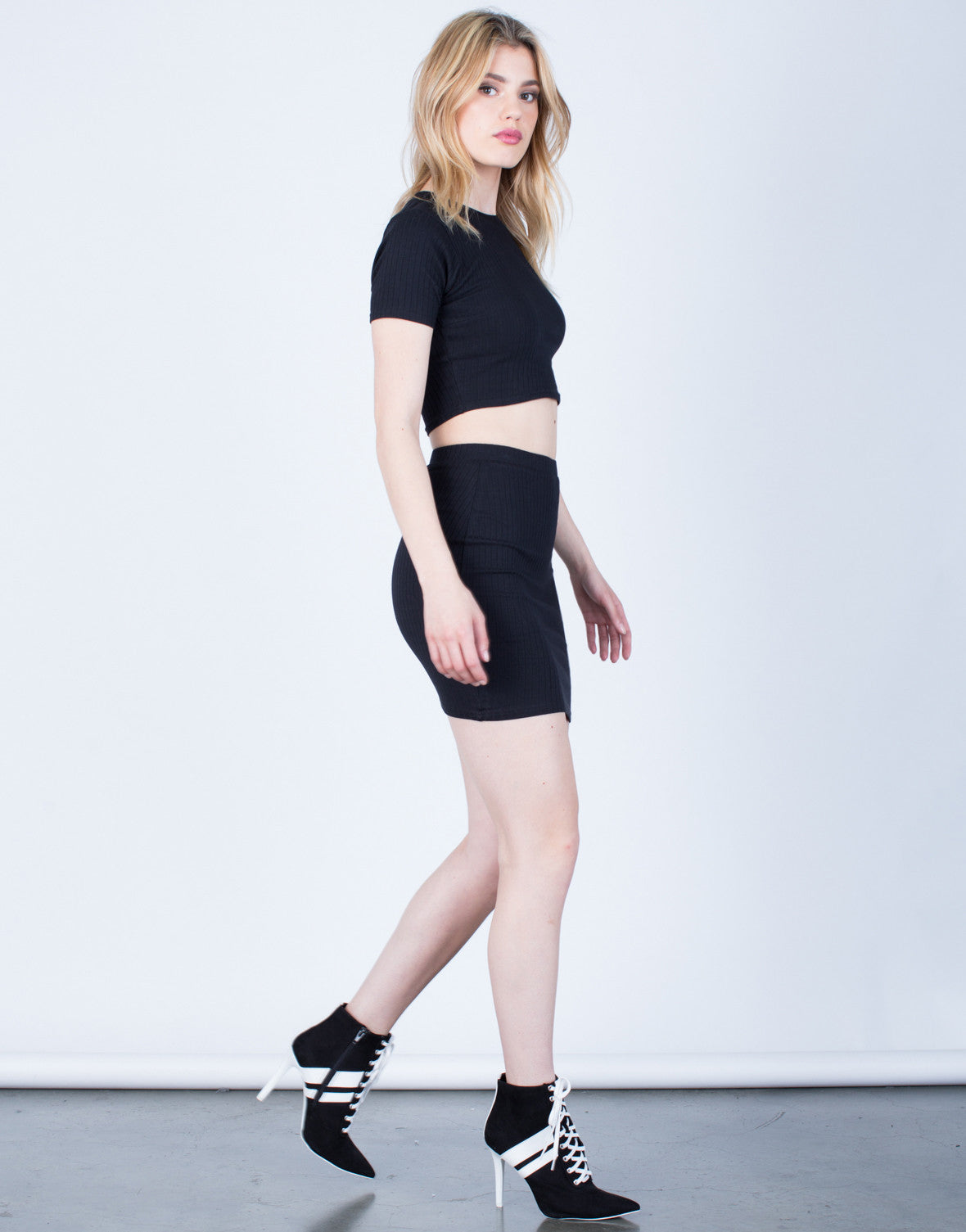 Side View of Rib Knit Bodycon Skirt