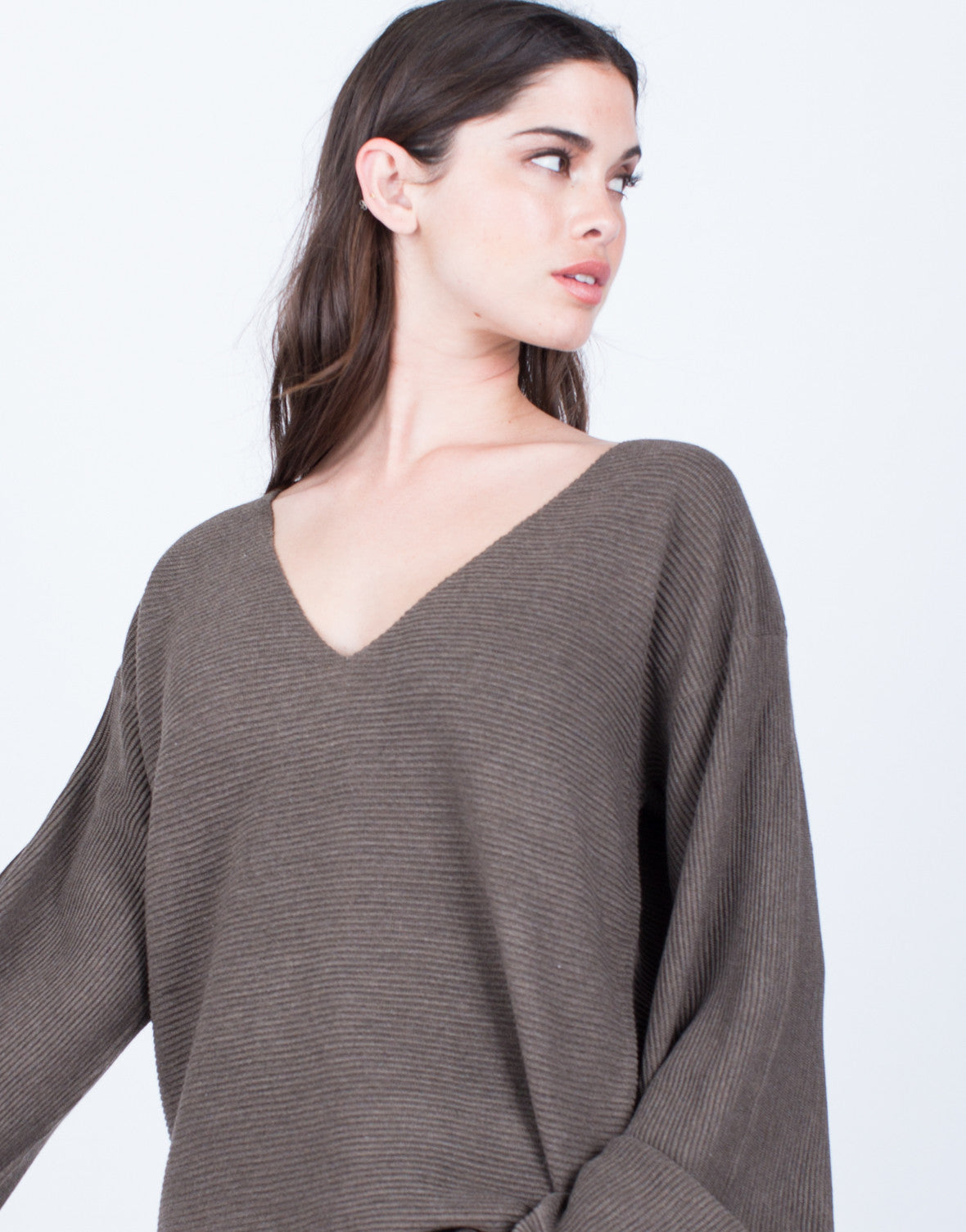 Detail of Rib Knit Extreme Sleeves Top