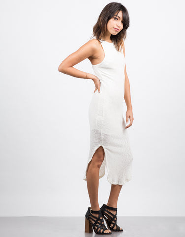 Side View of Ribbed Midi Dress