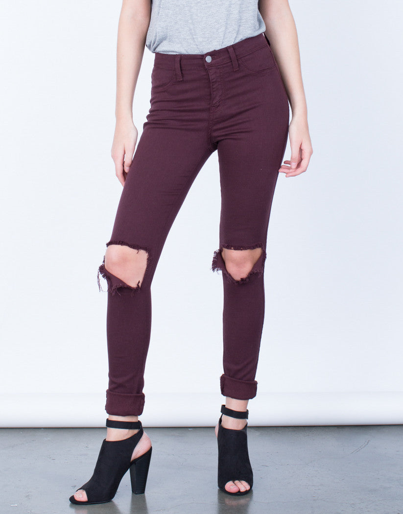 Front View of Ripped Knee Skinny Pants