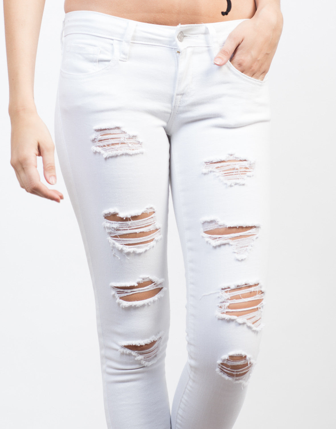 Detail of Ripped Skinny Cropped Jeans