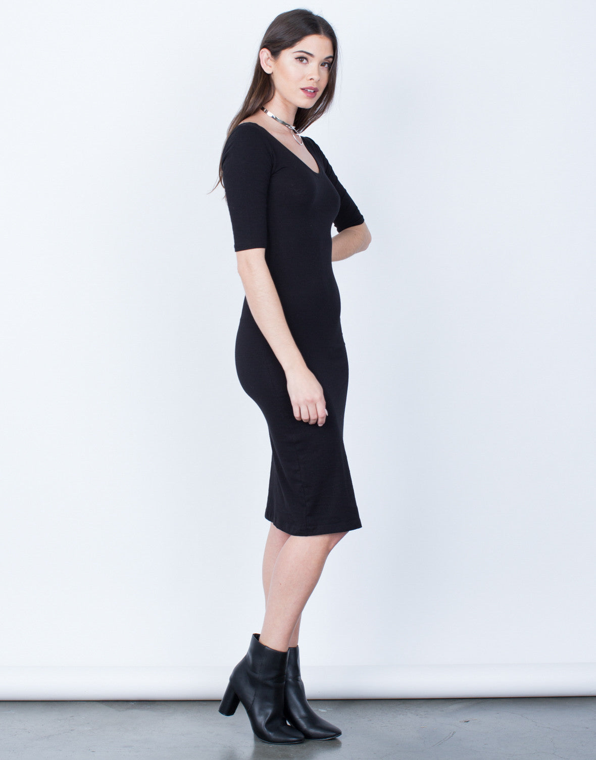 Side View of Scoop Neck Bodycon Dress