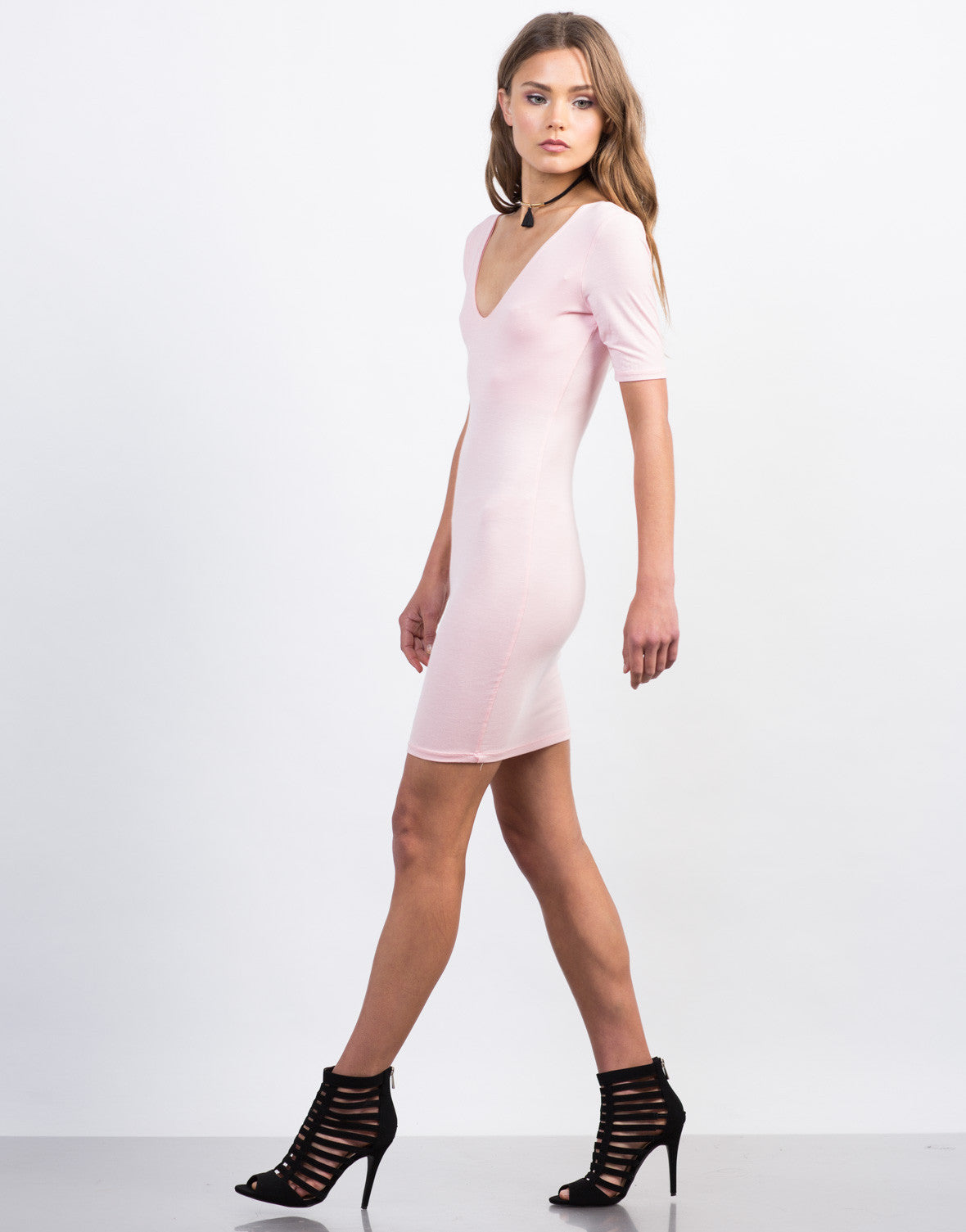 Side View of Scoop Neck Day Dress