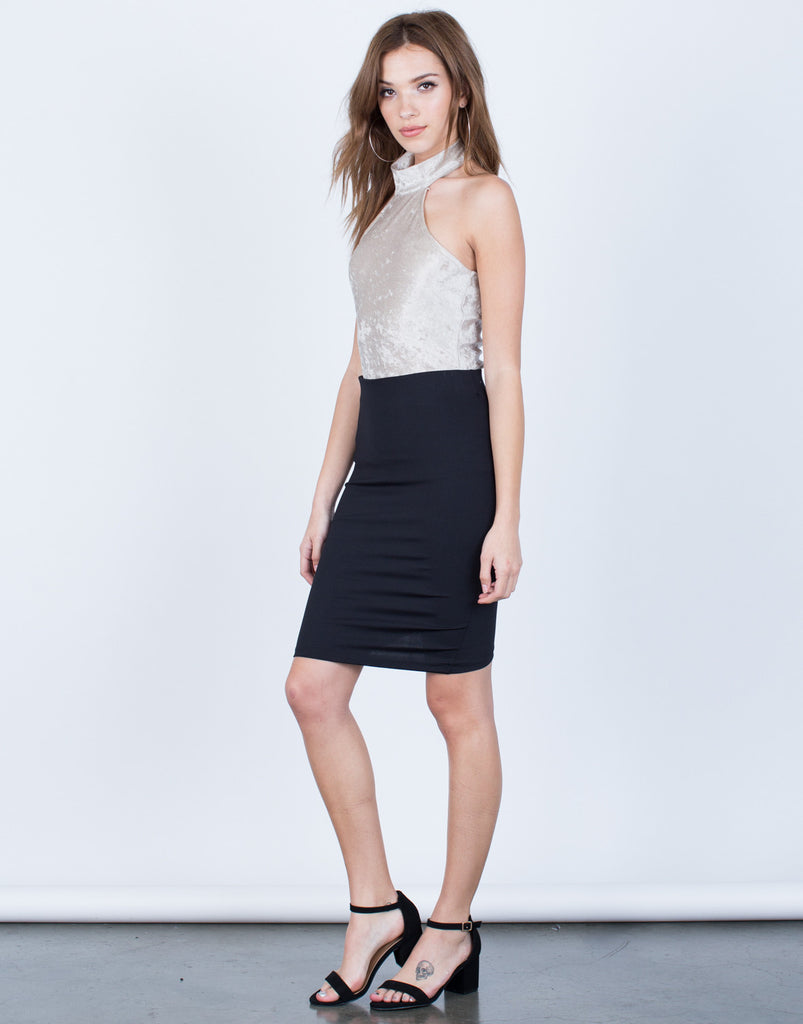 Side View of Scrunch Back Bodycon Skirt
