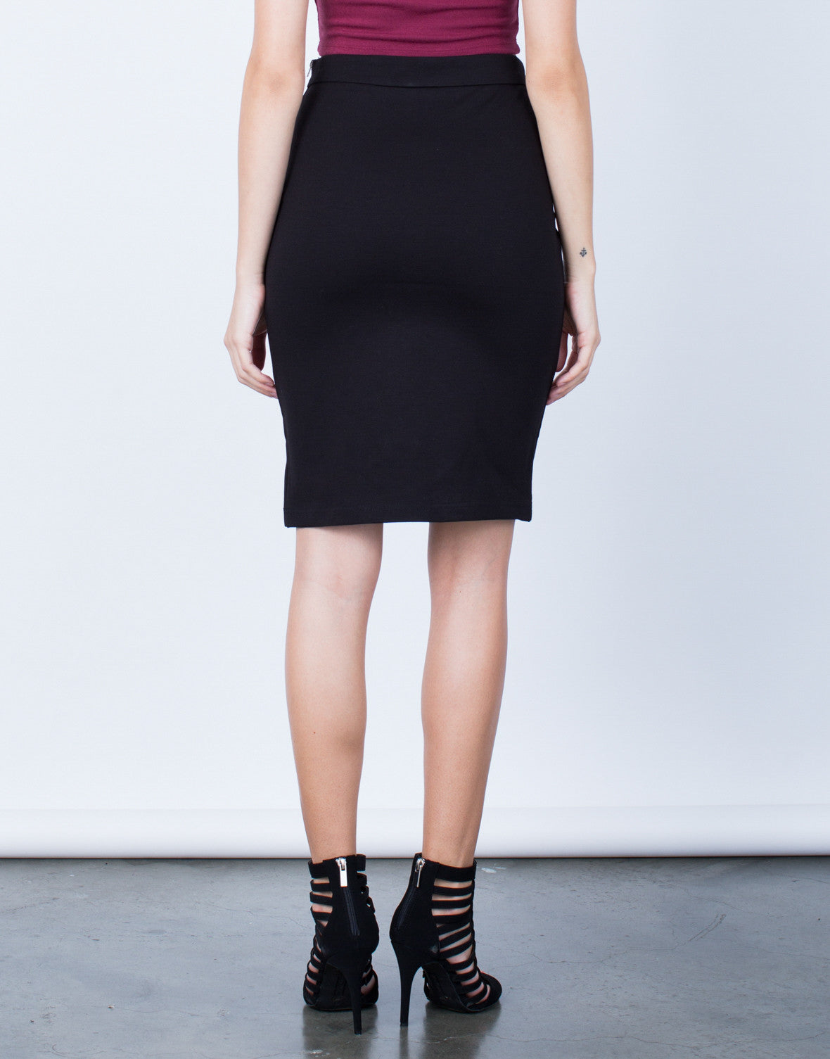 Back View of Side Zipper Pencil Skirt