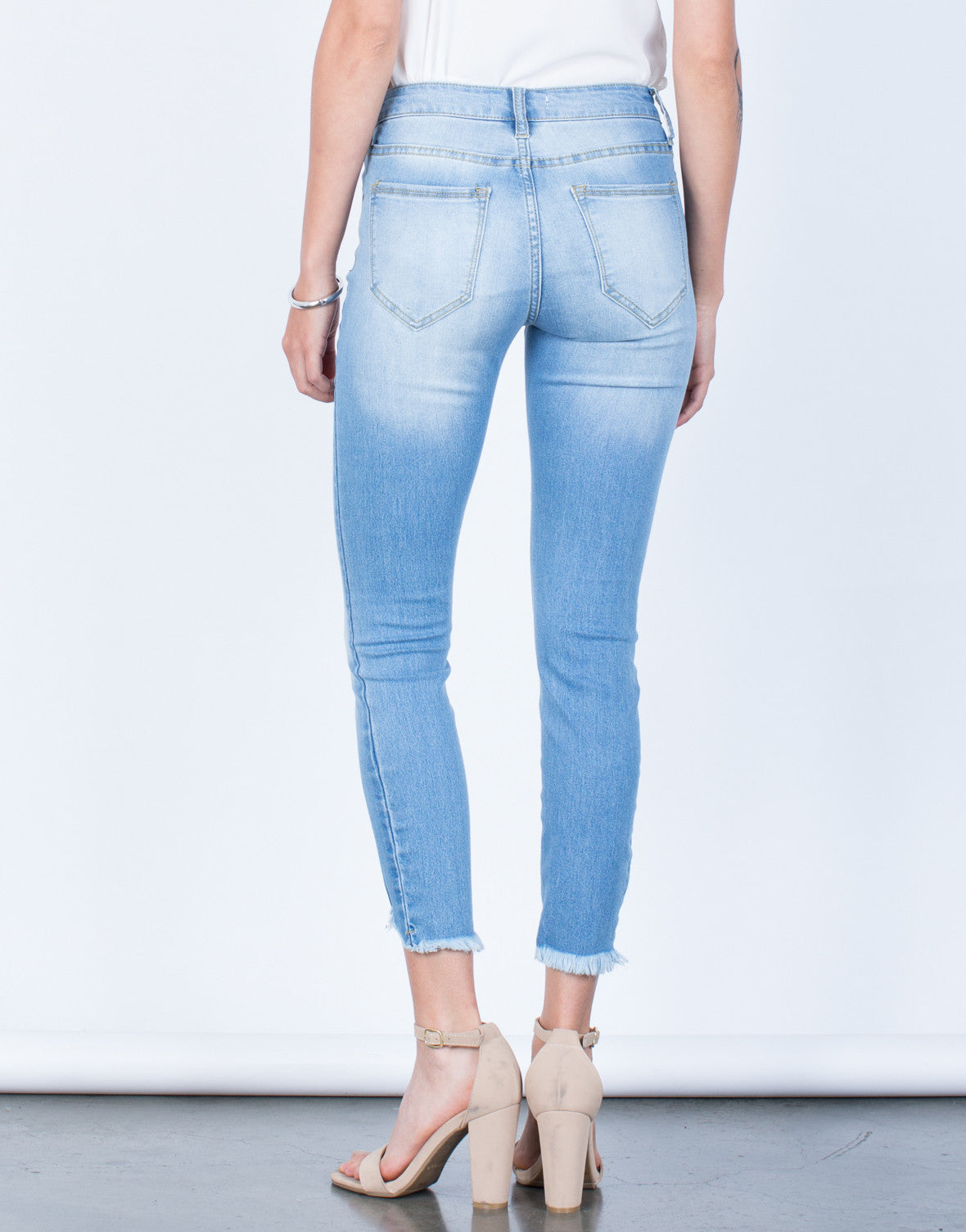 Back View of Simple Cropped Jeans