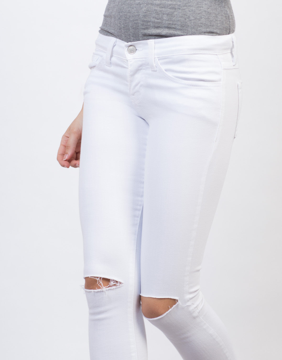Detail of Slashed Knee Skinny Pants
