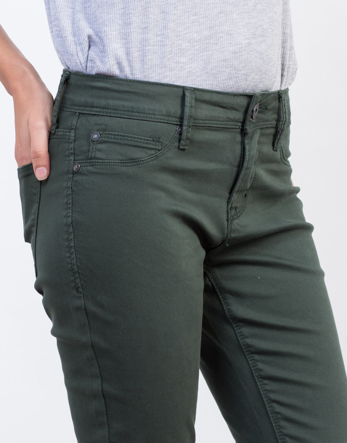 Detail of Solid Color Skinny Jeans