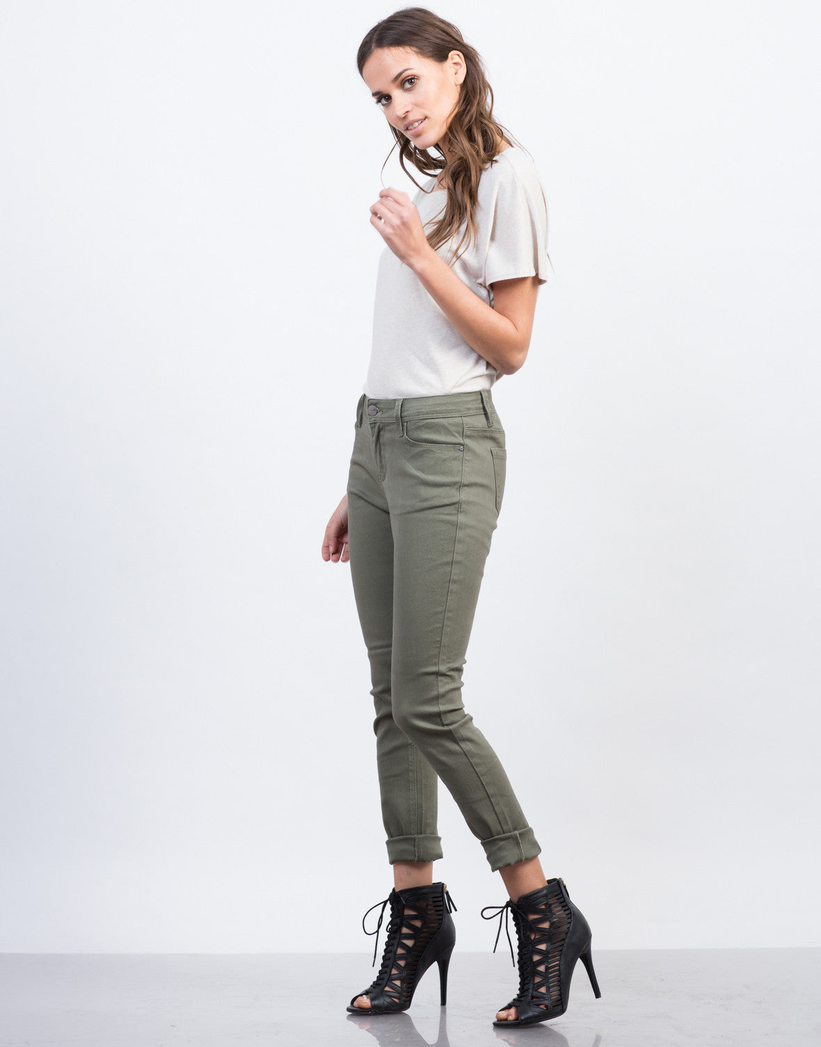Side View of Solid Skinny Pants