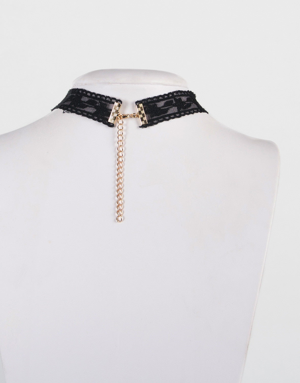 Star Pendant Lacey Choker Necklace