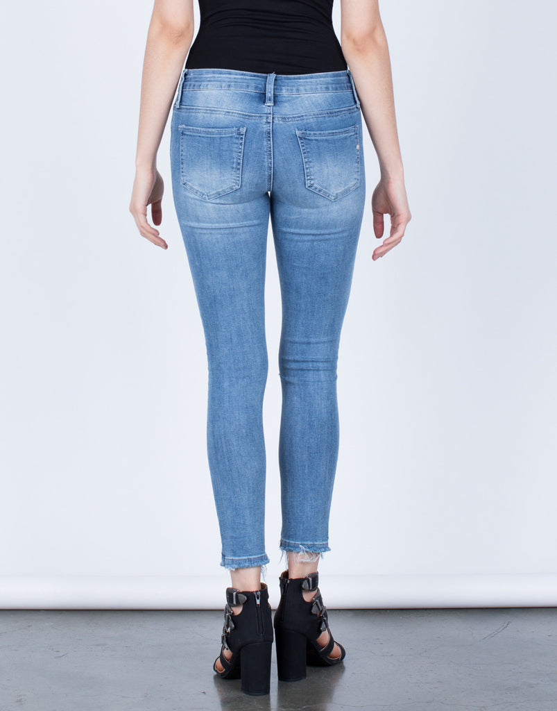 Stretchy Distressed Jeans - 2020AVE