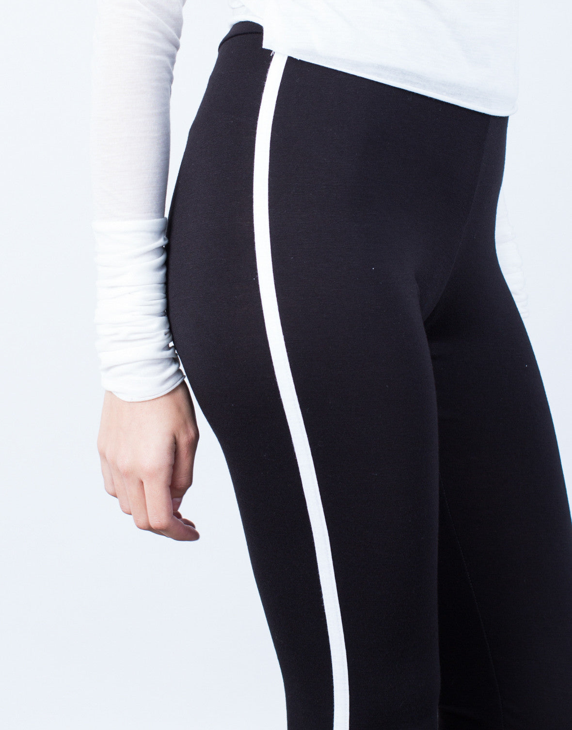 Detail of Striped Sporty Capri Leggings