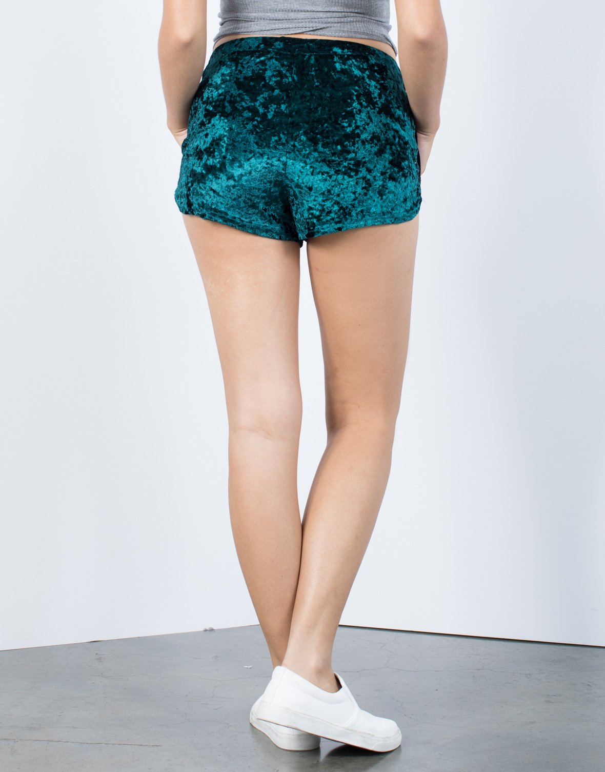 Super Comfy Velvet Shorts - 2020AVE
