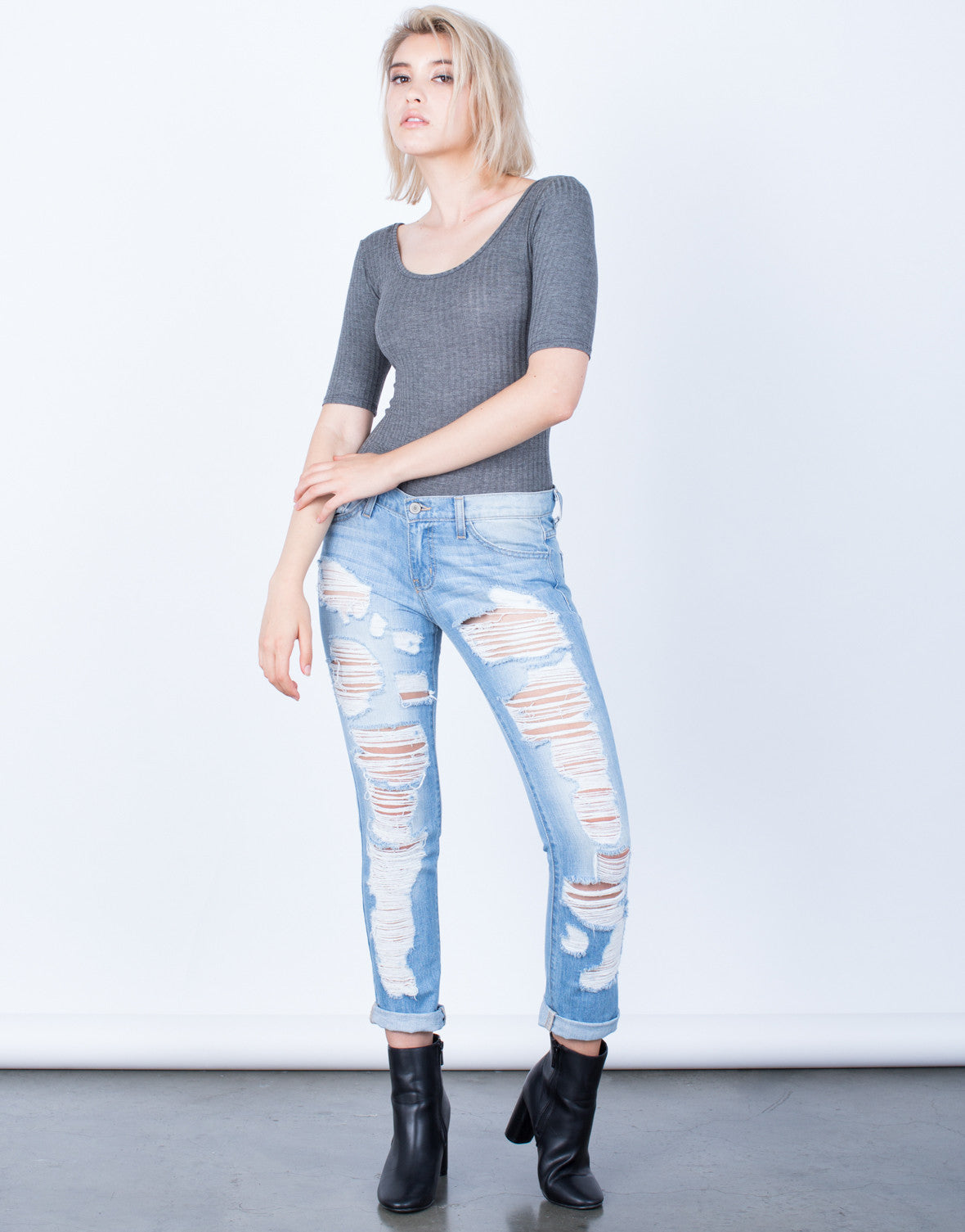 How to wear Boyfriend Jeans this fall    Casual Chic Outfit