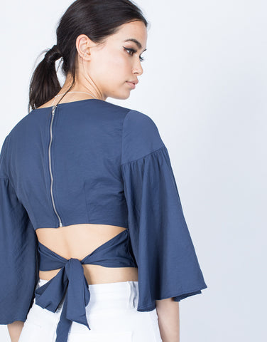 Detail of Swinging Sleeves Crop Top