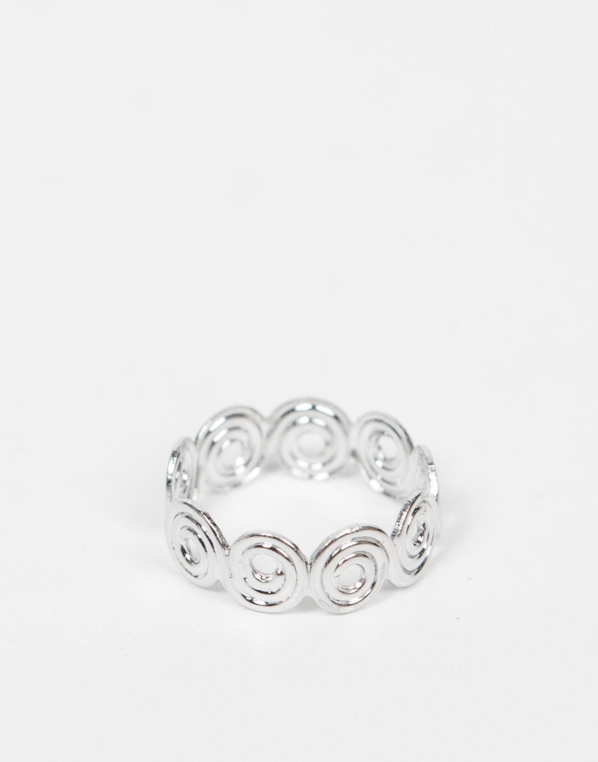 Front  View of Swirly Knuckle Ring