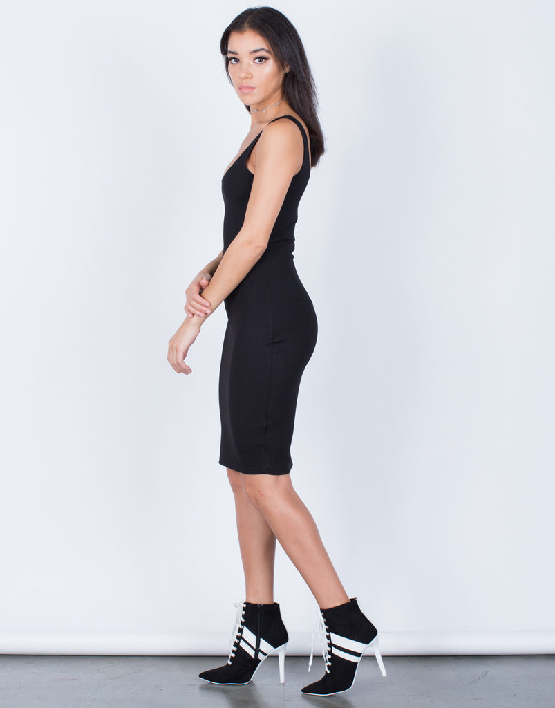 Side View of The Bodycon Dress