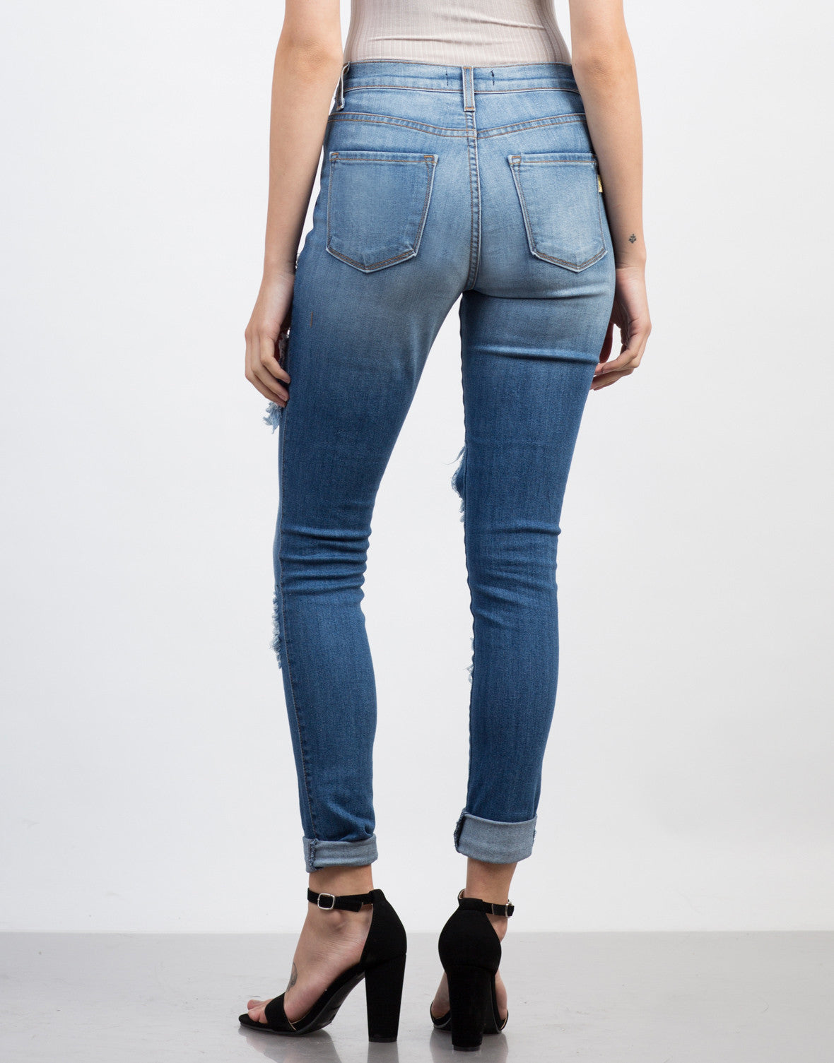 Torn High Waisted Jeans - 2020AVE
