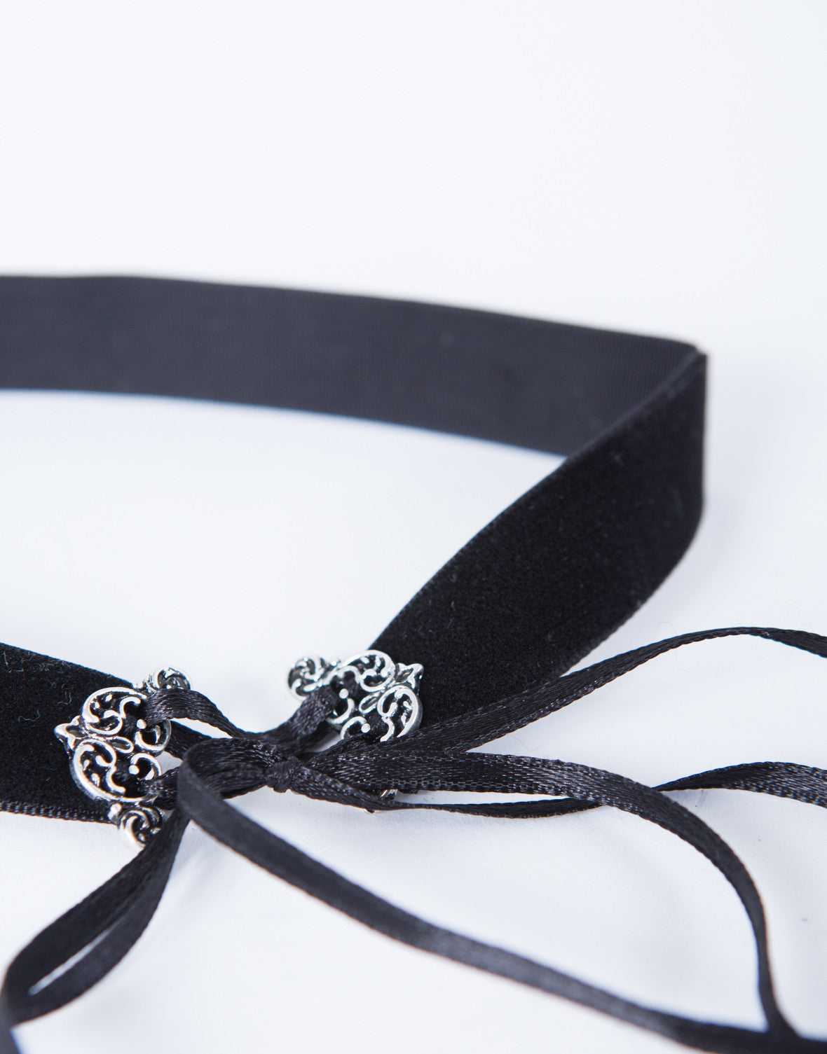 Velvet Lace-Up Choker