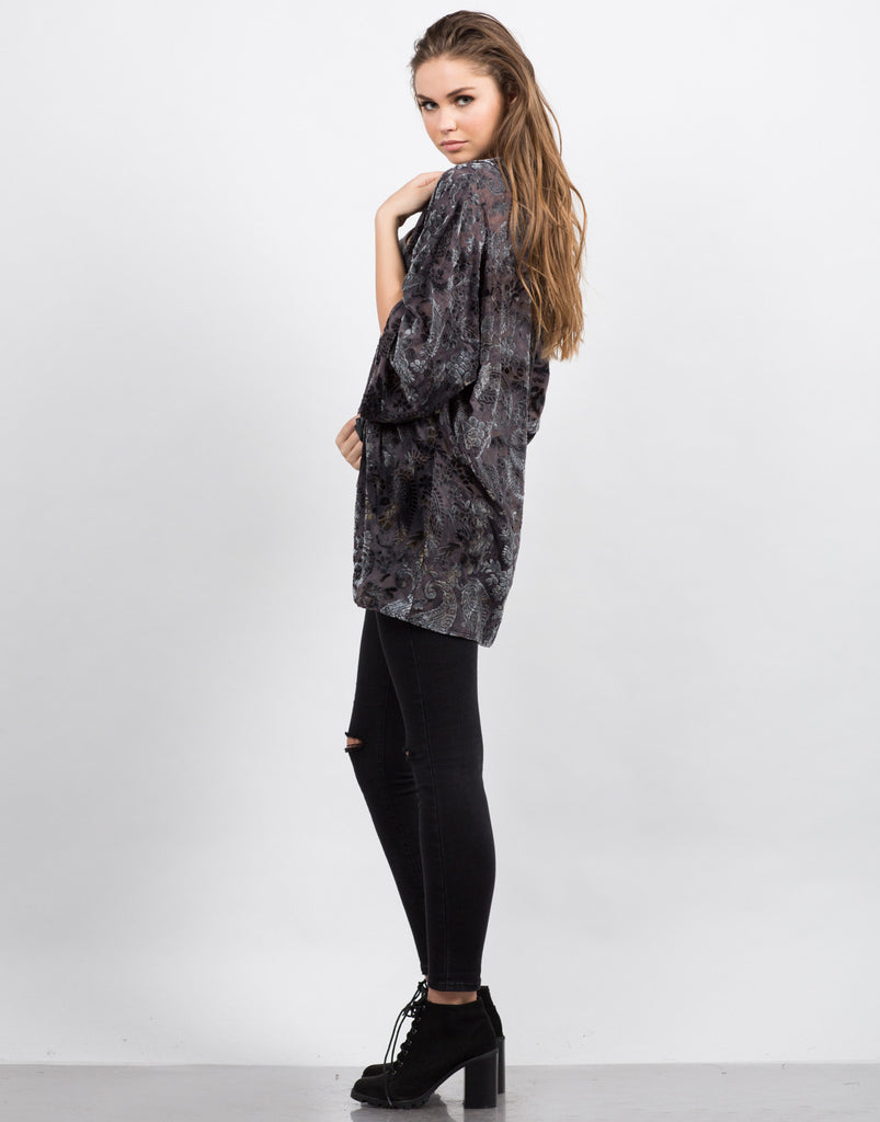Side View of Velvet Burnout Kimono