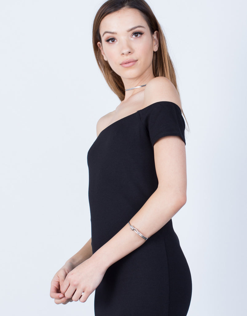 Detail of Versatile Off-the-Shoulder Dress