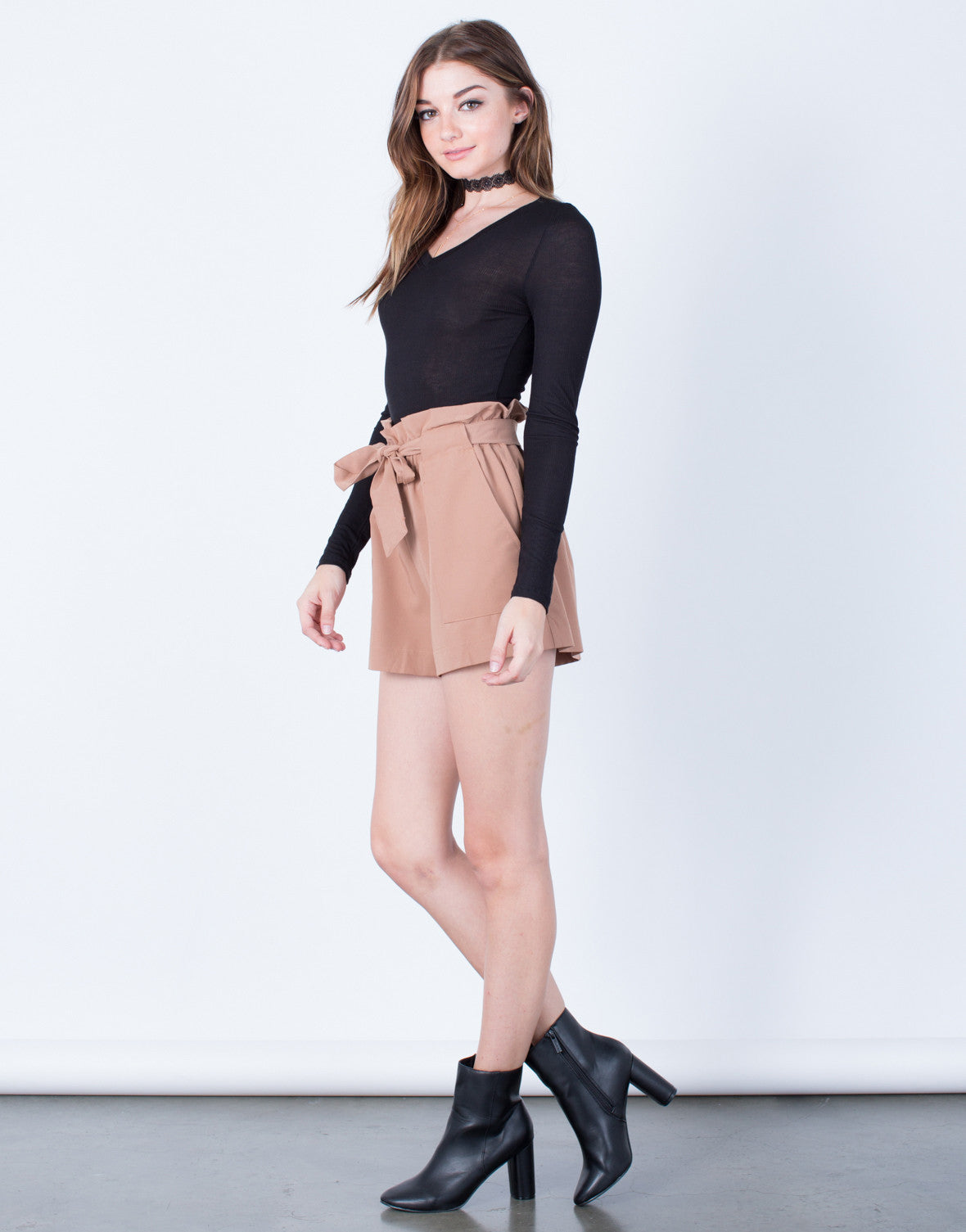 Side View of Woven Waist Tied Shorts