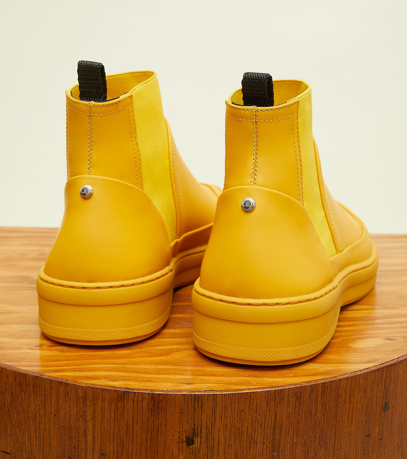 canary-yellow-gum-leather