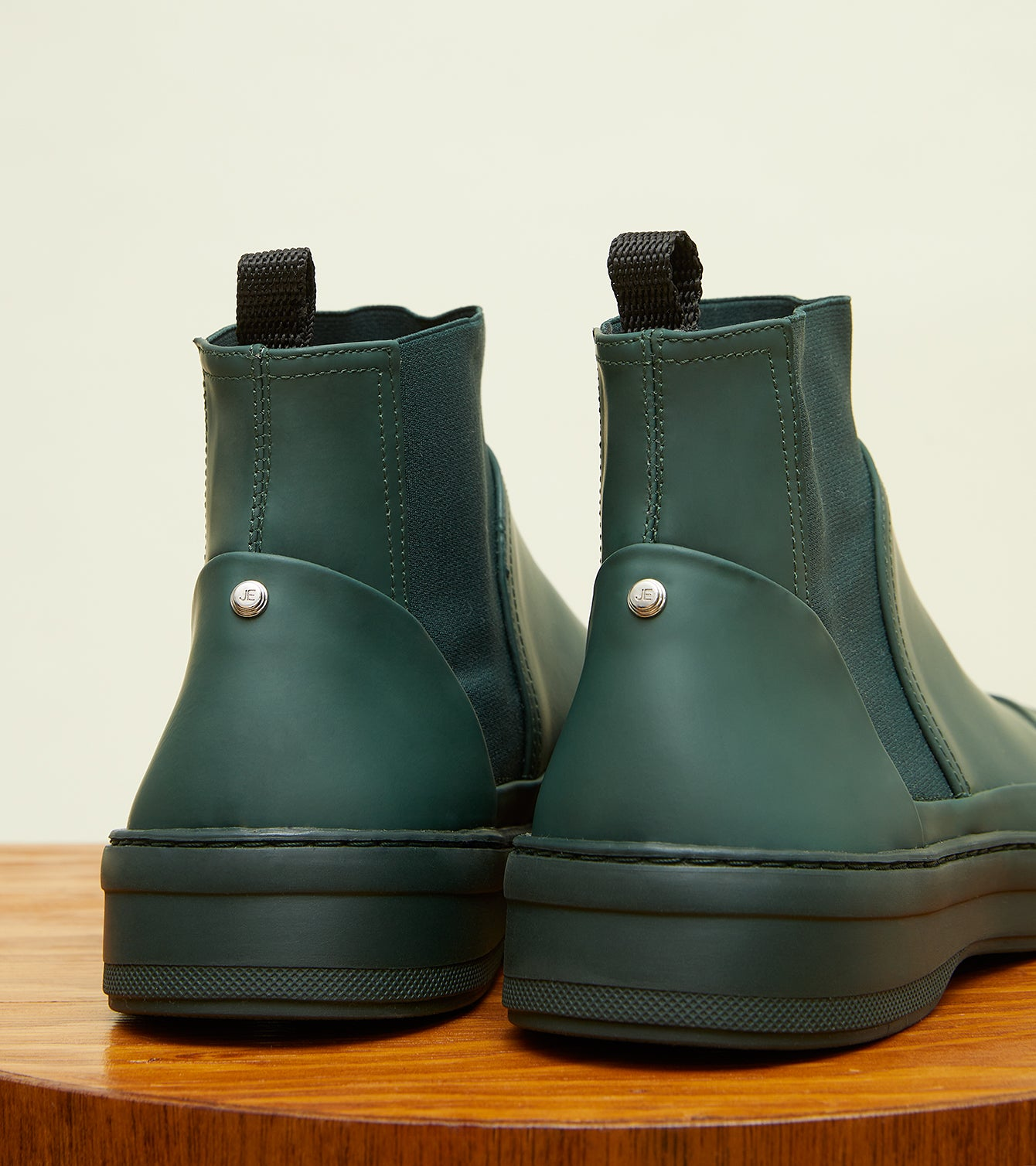 pine-green-gum-leather