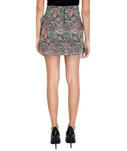Load image into Gallery viewer, Paisley Diagnol Friled Skirt
