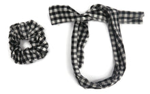 Load image into Gallery viewer, Black and White checks scrunchy cum bandana