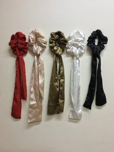 Satin scrunchies cum bandana set