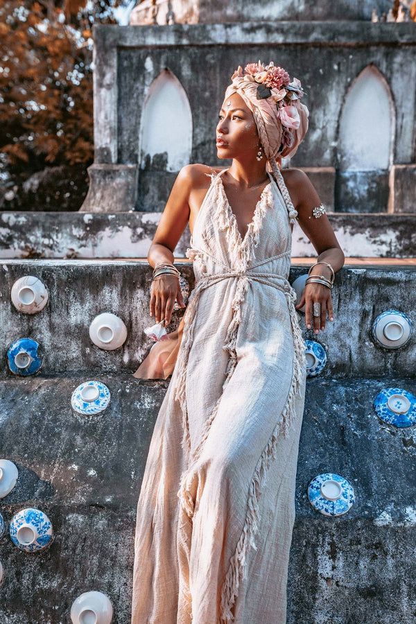 OFF-white Boho Open Back Simple Wedding Dress with Hand Loomed Tassels - aya.eco