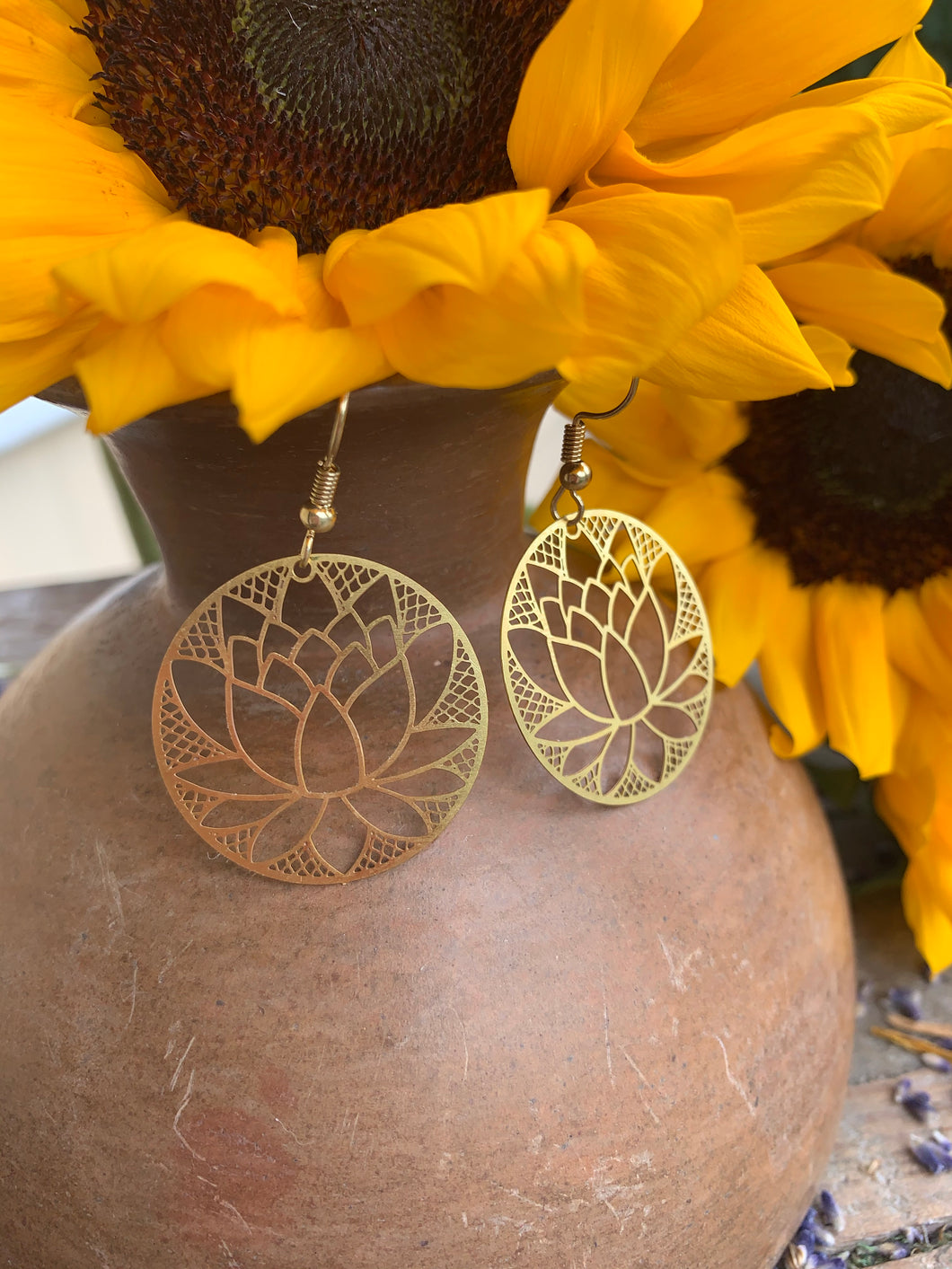 Lotus flower gold metal round hoop earrings